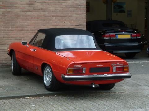 Afdekhoes (maathoes) Alfa Romeo Spider 70-93 rood