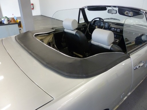 Kaphoes Peugeot 504 cabriolet vinyl zwart