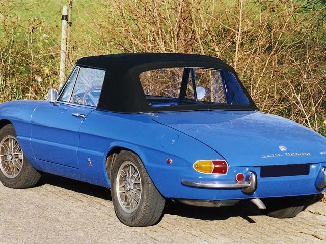 Alfa Romeo Duetto, cabriokap zwart