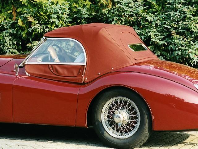 Jaguar XK 120 Roadster, softtop Sonnenland Classic rood met verwisselbare achterruit