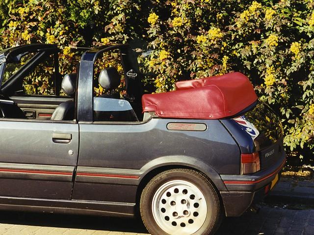 Peugeot 205 CTI kaphoes vinyl rood