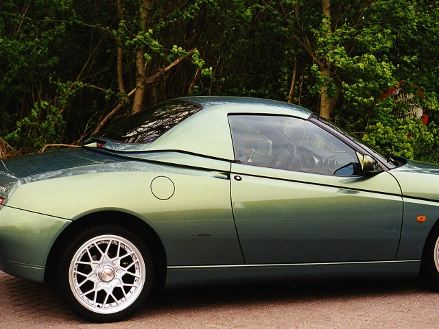 Alfa Romeo Spider 916 / Hardtop Wiesmann