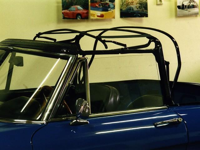 Alfa Romeo Duetto / Cabriokap frame gestraald en gepoedercoat