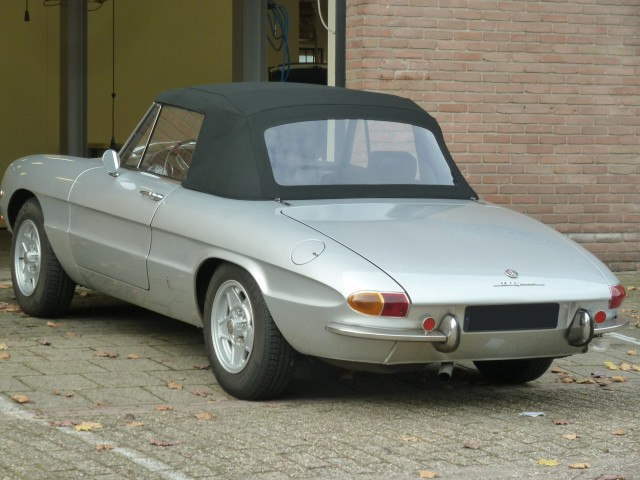Alfa Romeo Duetto / cabriokap stof zwart
