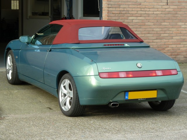 Alfa Romeo 916, softtop Stayfast rood