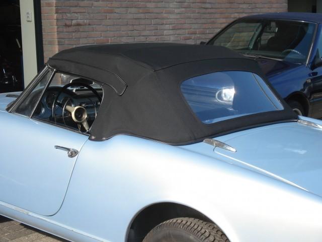 Alfa Romeo Giuletta Spider softtop, Sonnenland Classic  (1)