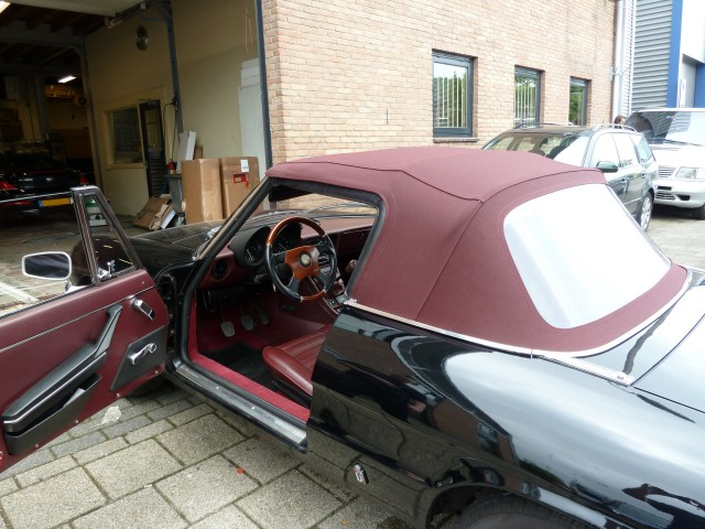 Alfa Romeo Spider, softtop Sonnenland A5 rood (2)
