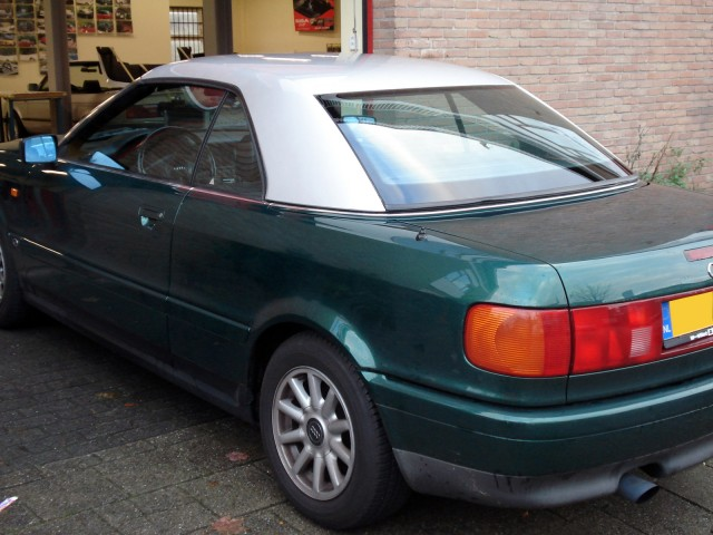 Audi Cabriolet / Hardtop Audi zilver