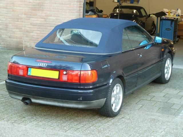 Audi Cabrio, softtop Twillfast blauw (5)