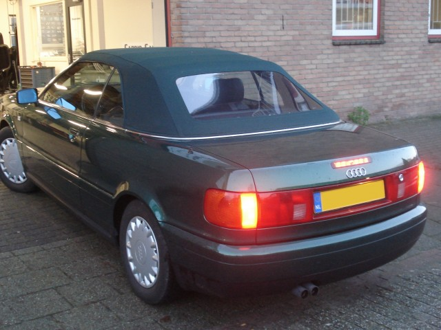 Audi Cabrio, softtop Twillfast zwart (1)