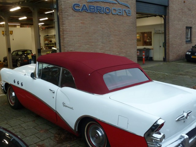 Buick  Special Convertible '55, softtop Stayfast rood (6)