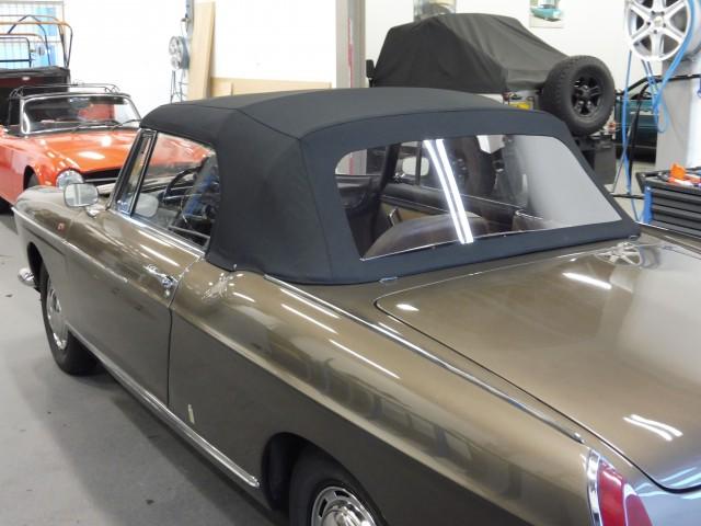 Peugeot 404 Cabriolet, cabriokap Sonnenland Classic zwart