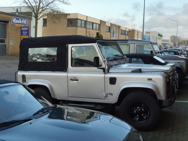 Land Rover Defender, softtop tailor-made Sonnenland A5