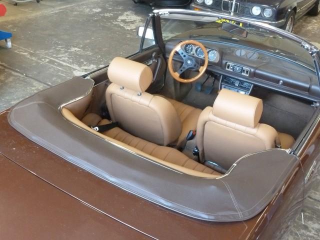 Peugeot 504 kaphoes vinyl bruin
