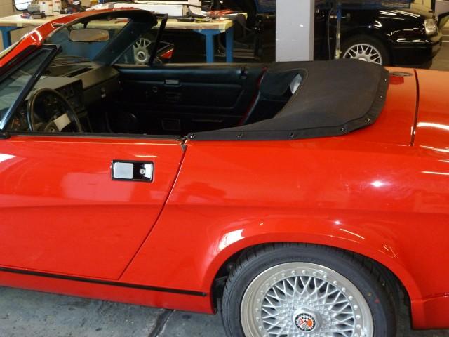 Triumph TR8 kaphoes Stayfast zwart