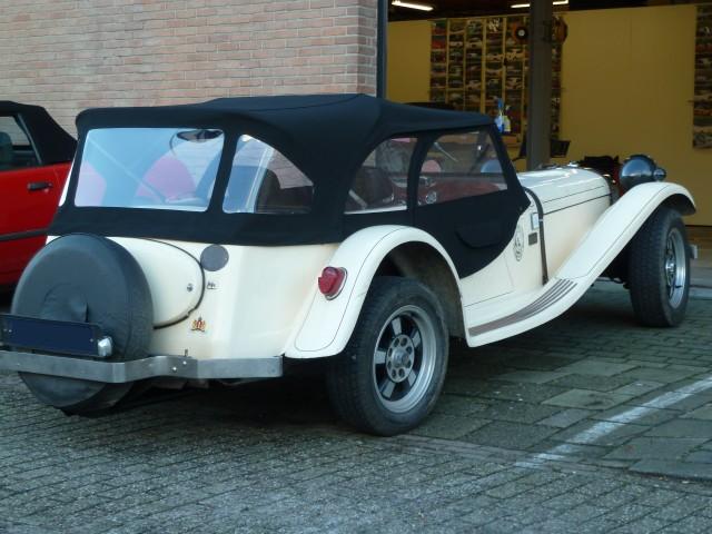 VW Ruska Regina, softtop taylormade van Sonnenland Classic,zwart (8)